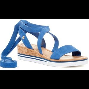 Tommy Hilfiger Size 6 Blue Strappy Wedge Sandal